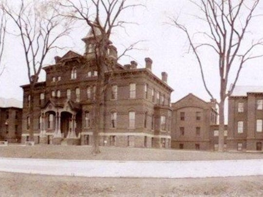 Mary Fletcher Hospital, from the early 1900s.
