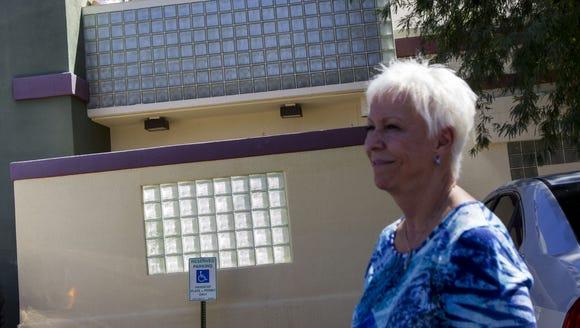 Staff members say goodbye to Christine Scarpati at