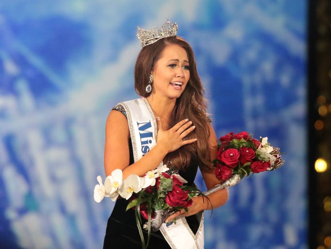 Here's the newly crowned Miss America 2018 (Miss North