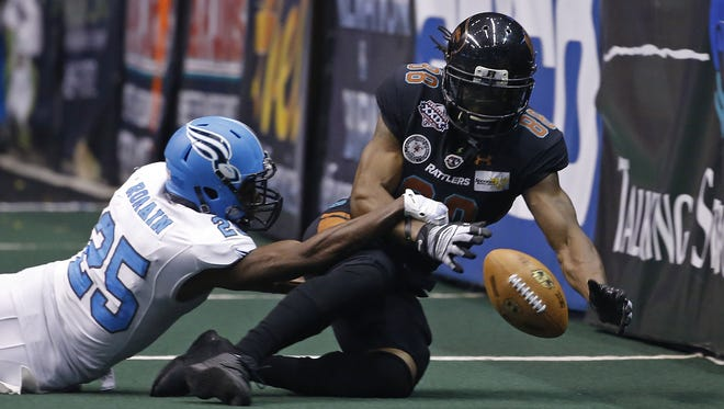 Soul's James Romain (25) knocks a pass from Rattlers' Anthony Amos' hands during Arena Bowl XXIX at Gila River Arena on August 26, 2016 in Glendale, Ariz.
