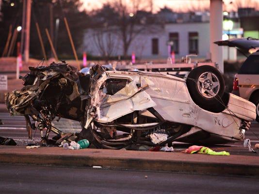 635914990181376409-crash.jpg