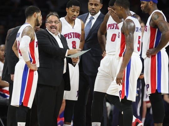 Pistons head coach Stan Van Gundy draws up a play during the fourth quarter against the Clippers on Nov. 26, 2014 at the Palace.