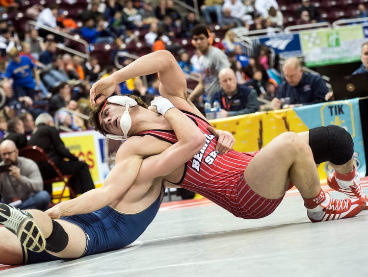 Bermudian Springs' Chase Dull, right, works around
