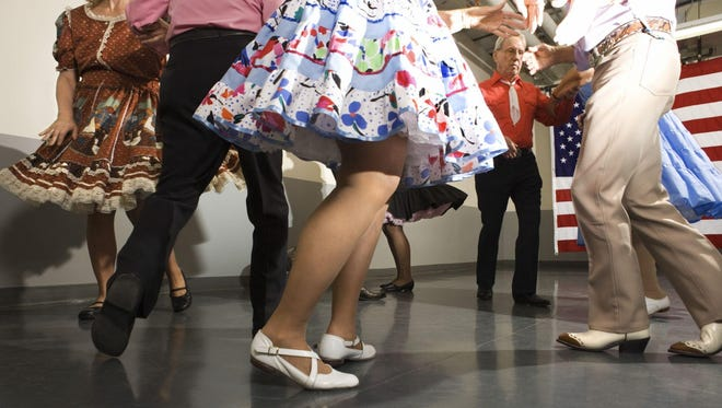 A free introduction to square dancing class will be held 6:30-8 p.m. on Saturday, Oct. 10, at the Parkview School gym, 500 Parkview Drive, Plymouth.