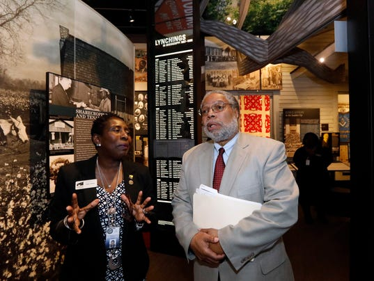 Lonnie Bunch, Pamela Junior