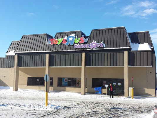Brookfield Toys R Us To Reopen This Week Following Fire