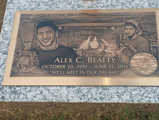 Photo of Alex Beatty's grave stone