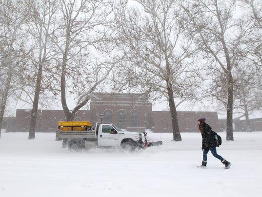 636534444350228715-180205-06-Snow-ds.jpg