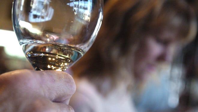 Wine tasting at Wine Country in Shreveport.  10.20.05)