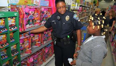 'Shop with a Cop'