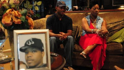 Brenda Mason and her nephew Bryant Riggs discuss the Dec. 9, 2011, shooting death of Quamaine Mason by Lafayette Police in this June 12, 2012, photo.