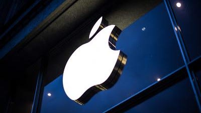 A Tampa man is accused of scamming Apple stores out of $309,768 through a scam using fake authorization codes for debit cards.