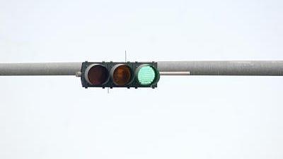 FDOT / traffic light / traffic signal / traffic problems / wrecks.
