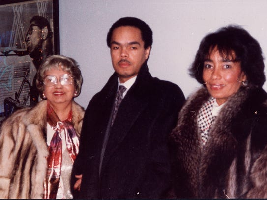 Gary Roan with family.