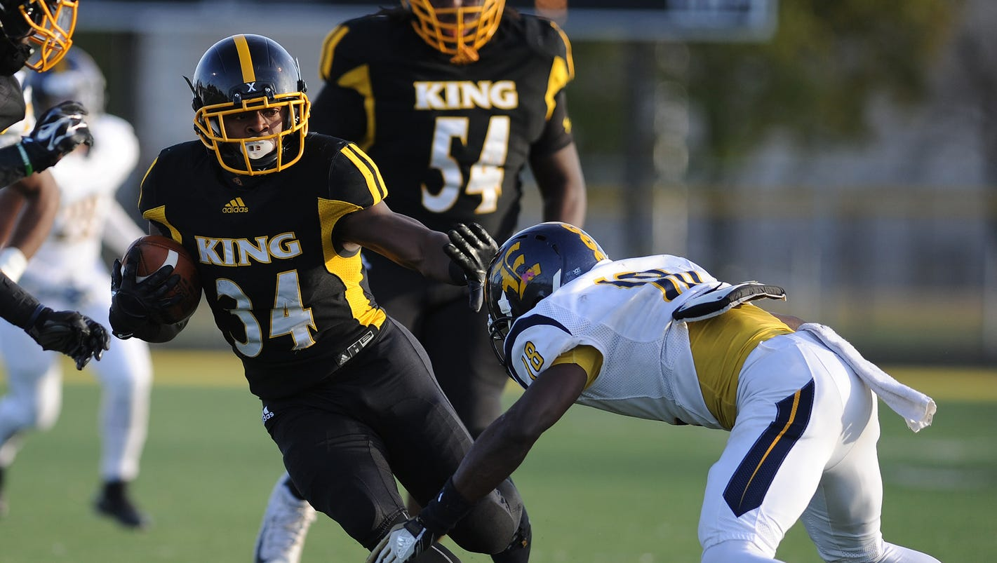 Detroit News All-State Football Team: Division 1-2