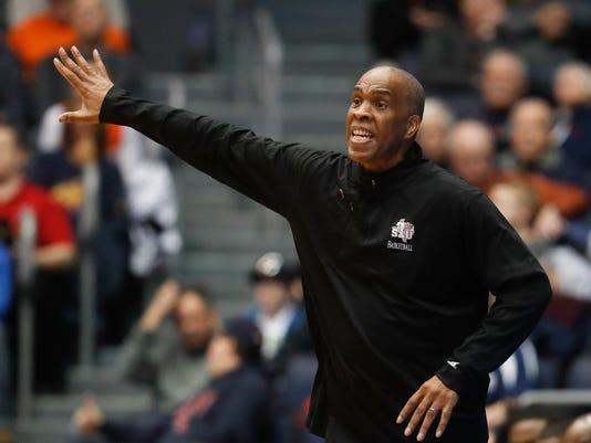 Detroit_Davis_Basketball_45610.jpg