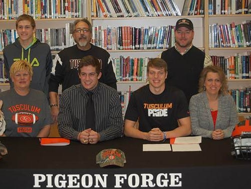 Christian Sisto and Jarrod Jinnette officially sign to play football at Tusculum College