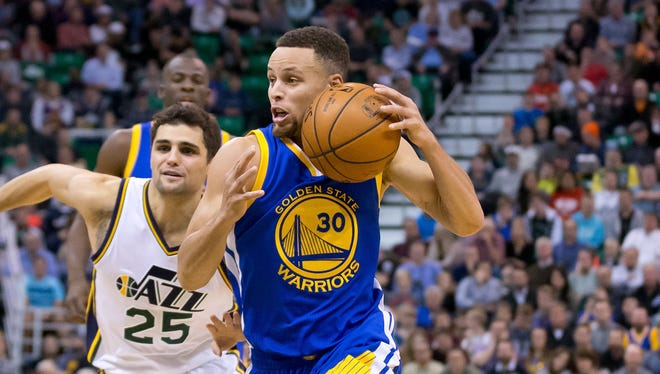 Stephen Curry (30) scored a game-high 26 points for the Warriors.
