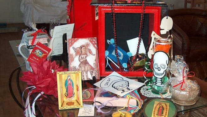 Some of the items Polly Chavez will show workshop participants how to create are displayed.