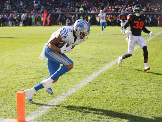 Detroit Lions' Marvin Jones Jr. scores a touchdown against the Chicago Bears in the second quarter Sunday, Nov. 19, 2017 at Soldier Field in Chicago.