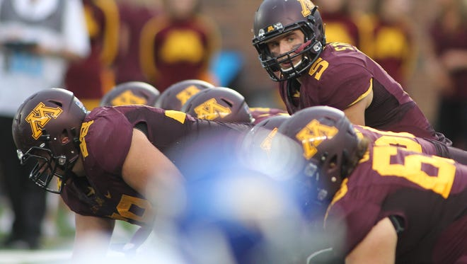 Minnesota quarterback Chris Streveler (5)) during an NCAA football game against San Jose State on Saturday, Sept. 20, 2014 in Minneapolis.(AP Photo/Andy Clayton-King)