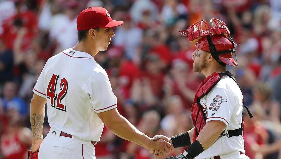 636278767881976355-041517-brewers-reds-1403