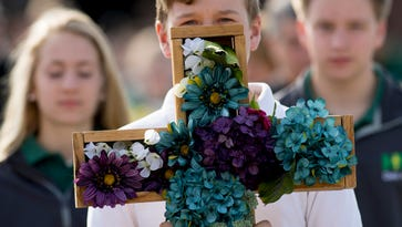 Photo gallery: May Crowning held at Holy Name School