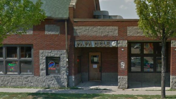 Papa Del's Pizza offers Chicago-style deep dish pizza.