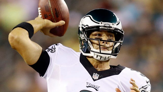 Eagles quarterback Mark Sanchez takes over the throwing duties in the third quarter.