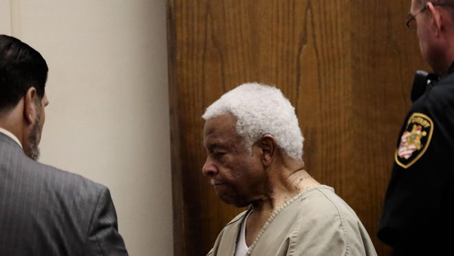 Henry Evans enters the courtroom for his arraignment on a murder charge on Oct. 8, 2019 at the Franklin County Municipal Court. Evans is charged in connection with the death of his wife, local philathropist Dorothy Cage, 85. On Monday, he was found not guilty by reason of insanity because of advanced dementia.