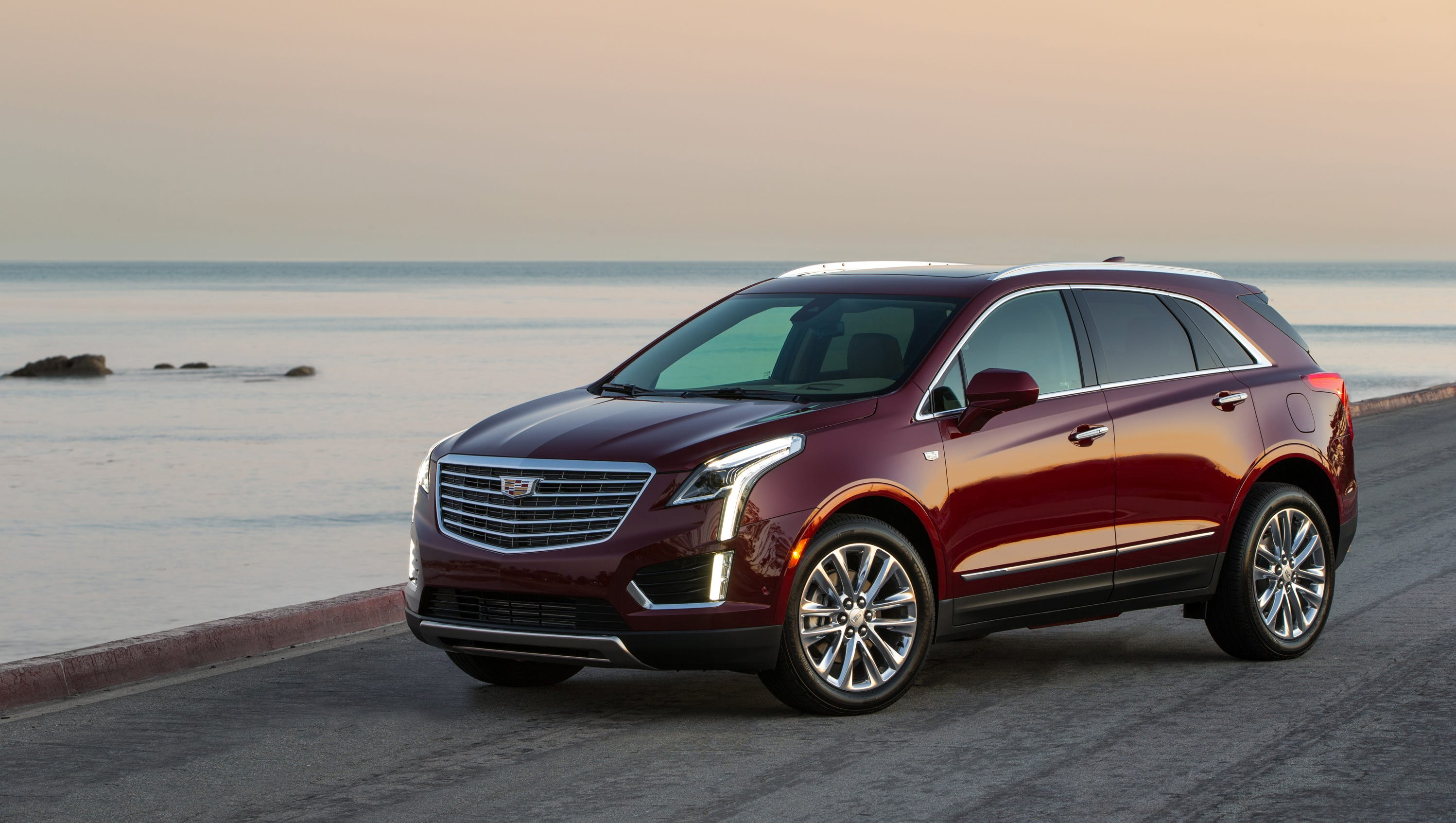 Review 2017 Cadillac Xt5 Challenges Best Luxury Suvs