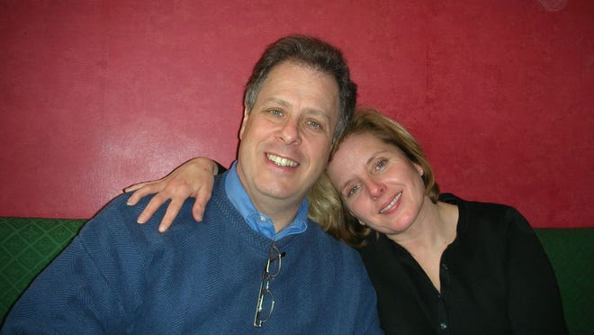 Frank and Linda Interlichia in 2006 in a pub in Dover, England. Linda Interlichia died in October 2014 of cancer that was worsened by a morcellation procedure.