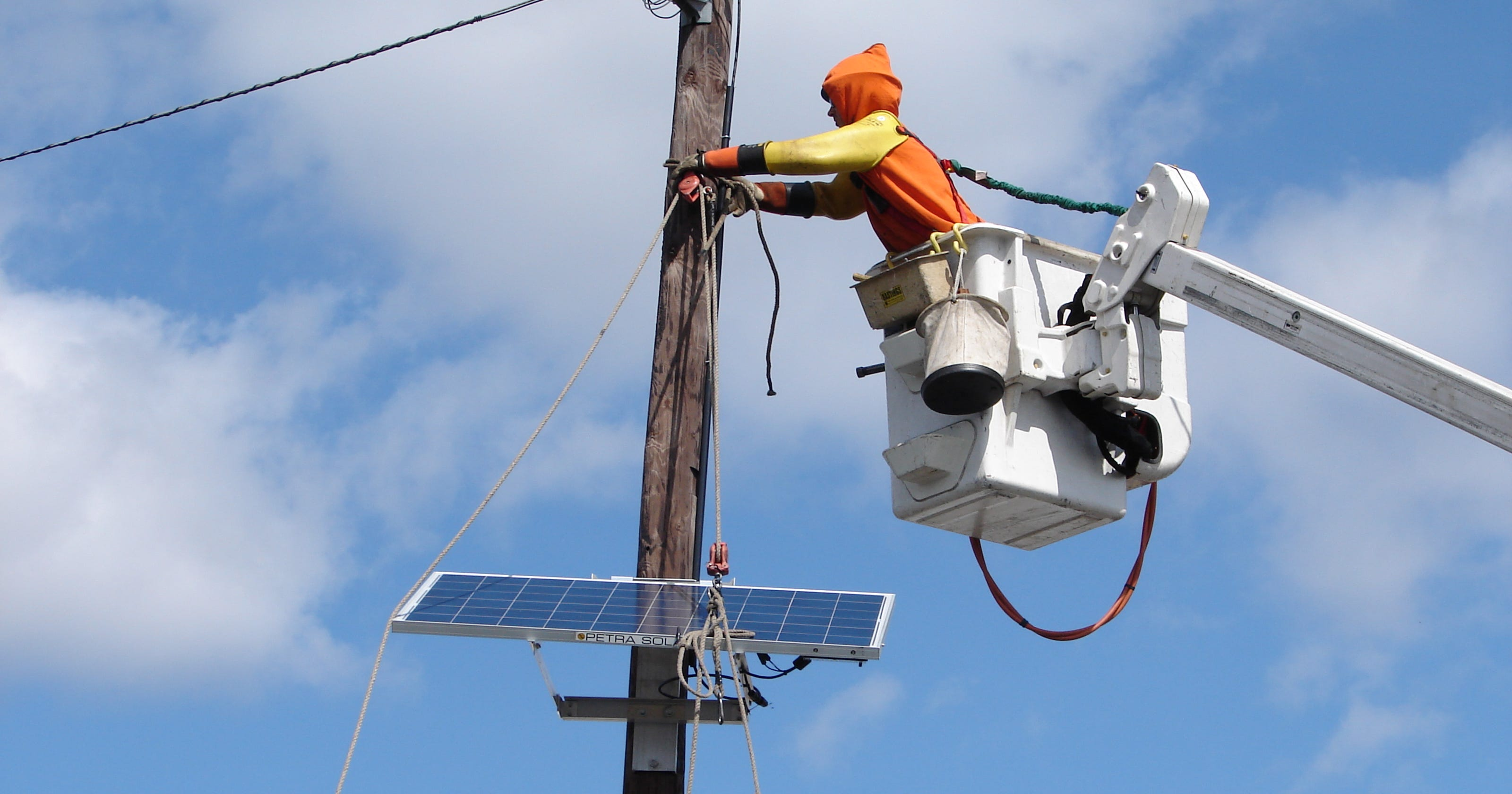 PSE&G completes utility-pole solar installation