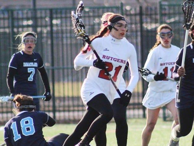 In Valianti's sophomore season at Rutgers-Camden, she scored 42 goals for the Scarlet Raptors.