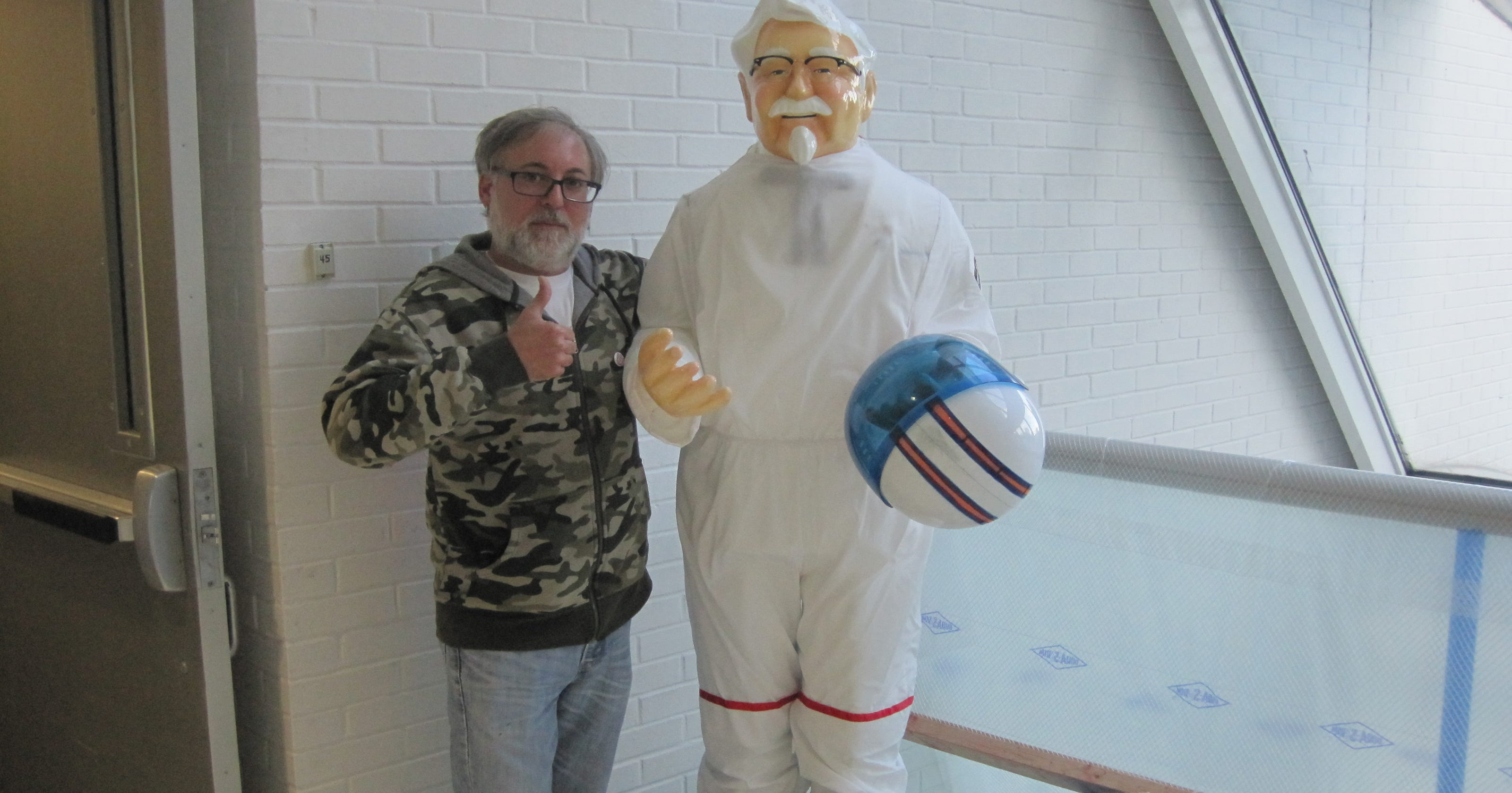 Can KFC\'s Colonel Sanders statue be beacon of Barret Avenue?
