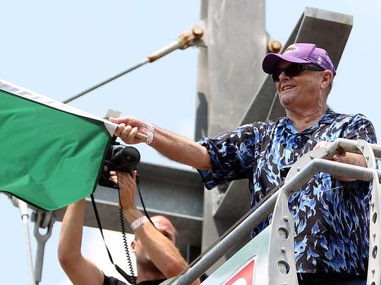 Jack Nicholson waves the green flag to begin the 2010 edition of the Indianapolis 500.