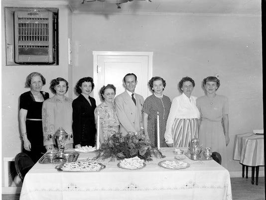 Carmon Phillips table picture