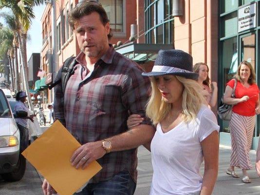 Tori Spelling with husband Dean McDermott