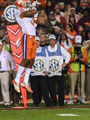 Clemson defensive back Ryan Carter (31) intercepts