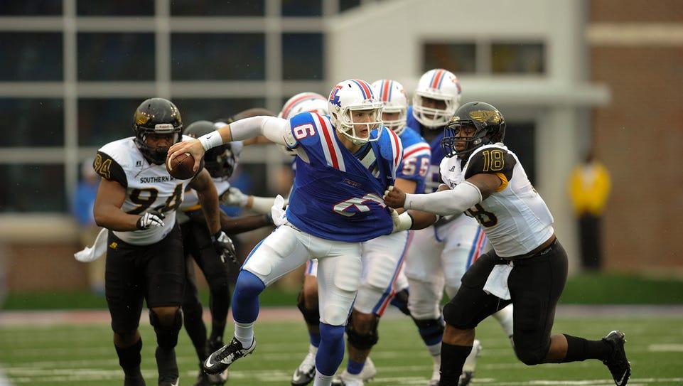 Louisiana Tech quarterback Jeff Driskel was sacked