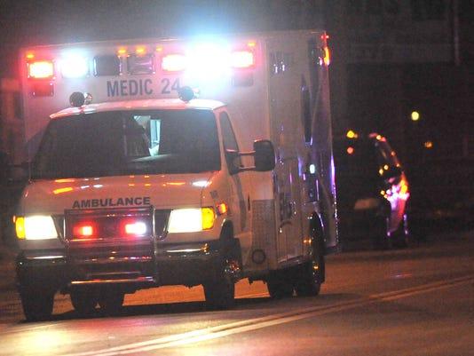 -POLICE_ambulance.jpg_20130528.jpg