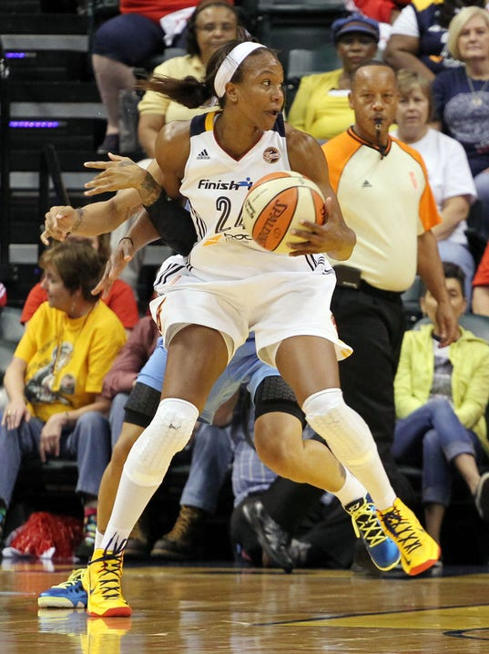 9-22-tamika-catchings-fever-sky
