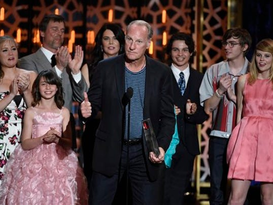 "FILE - In a Saturday, April 11, 2015 file photo, Craig T. Nelson, center, and the cast of ""Parenthood"" accept the fan favorite award at the TV Land Awards at the Saban Theatre in Beverly Hills, Calif."