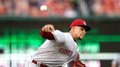 Cincinnati Reds starting pitcher Luis Castillo throws
