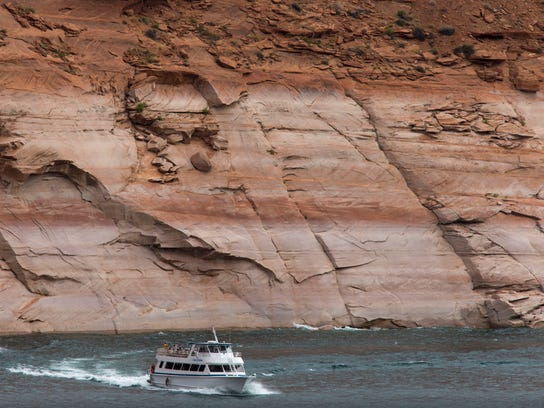 PNI1013-met glen canyon jump