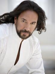 Orgulloso cantautor michoacano, Marco Antonio Solís