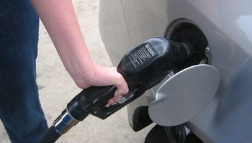 Gas prices and fuel levels remain mostly stable