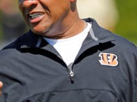 Multiple reports say the Cleveland Browns are aggressively pursuing Hue Jackson for their head-coaching vacancy.