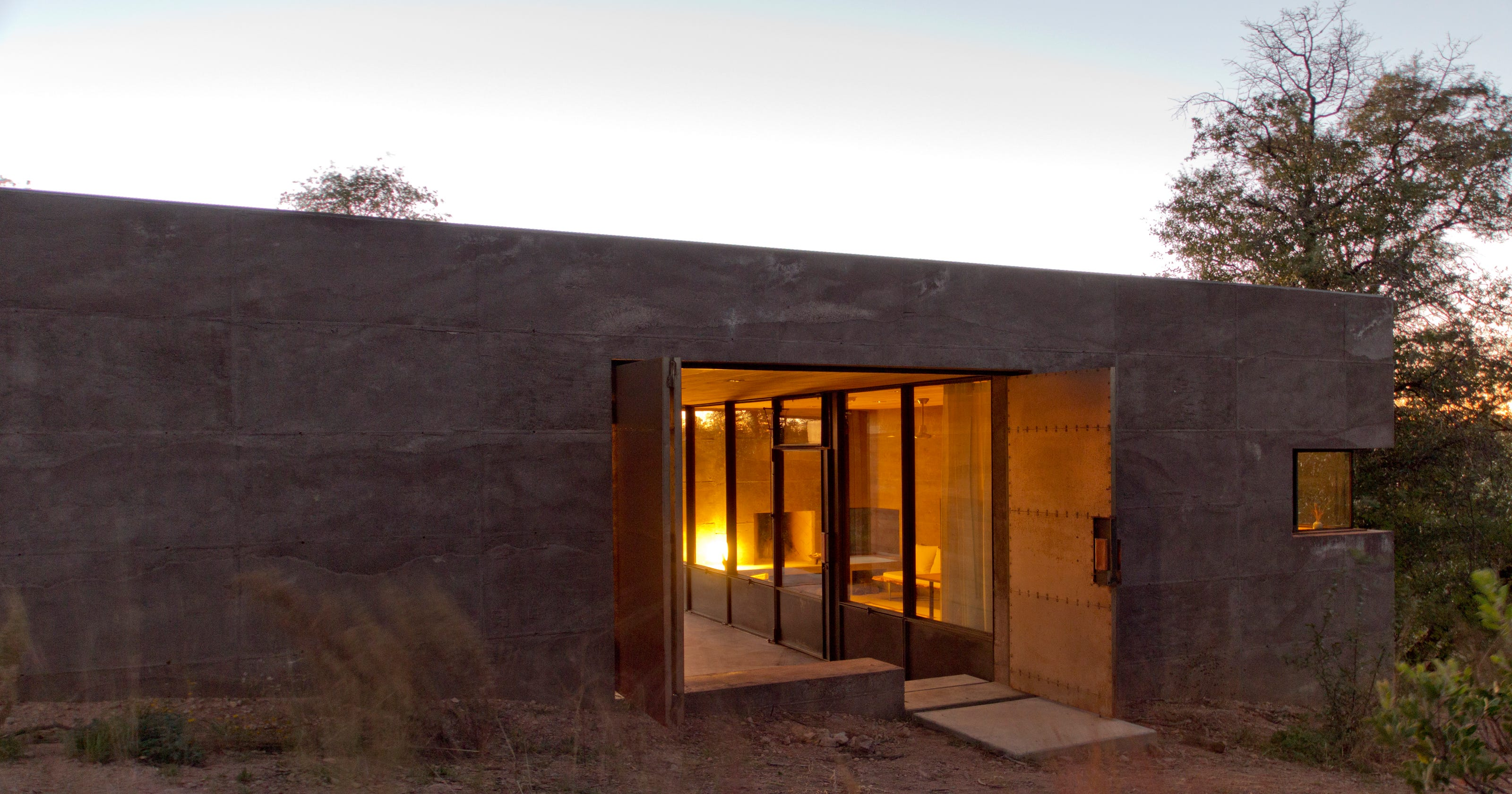 Cool Home Arizona House Featured On Esquire Off The Grid Private Sanctuary In Nature