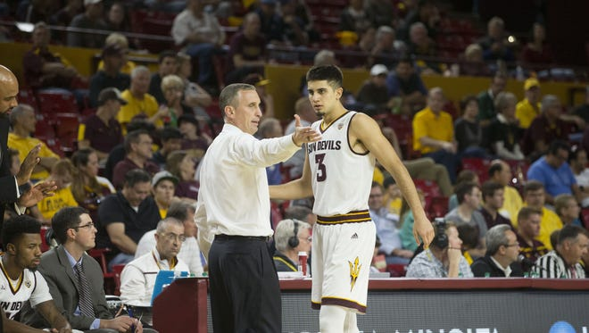ASU coach Bobby Hurley talks to Sam Cunliffe during the second half of a game against Citadel at Wells Fargo Arena on Nov. 23, 2016.